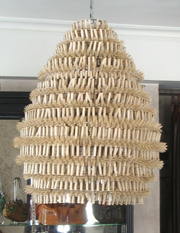 Basteln mit Korken hängelampe kronleuchter riesig