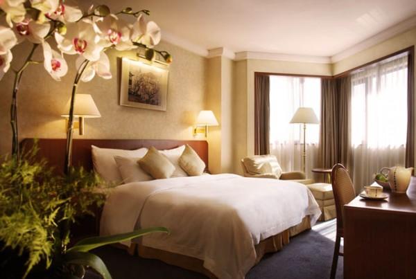 Brauntöne als Wandfarben beige schlafzimmer