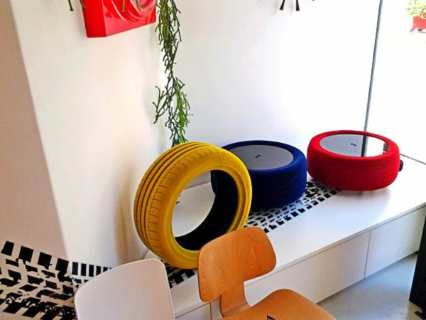 DIY Möbel aus Autoreifen autoreifen recycling bunte deko