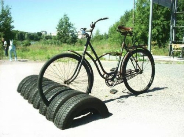ständer Möbel aus Autoreifen autoreifen recycling fahrrad
