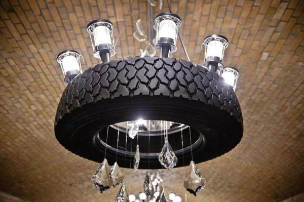 DIY Möbel aus Autoreifen kronleuchter licht