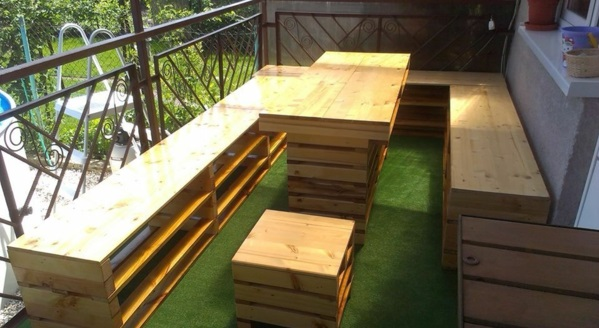 Möbel aus Paletten gartenmöbel europaletten auflagen