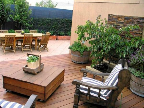 Möbel aus Paletten gartenmöbel europaletten pflanzen