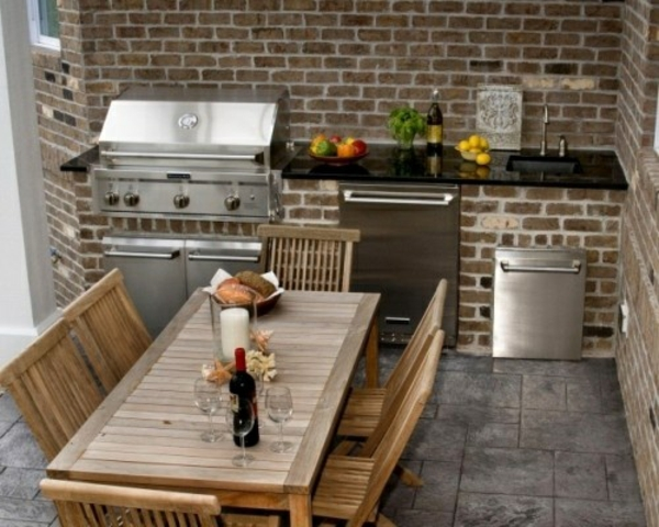 gartengestaltung ziegel wand sommer Outdoor Küchenmöbel rustikal