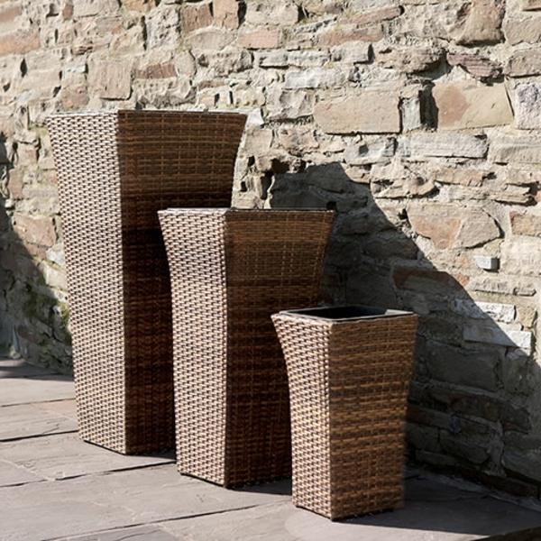 Outdoor Rattanmöbel polyrattan garten ideen pflanzkübel