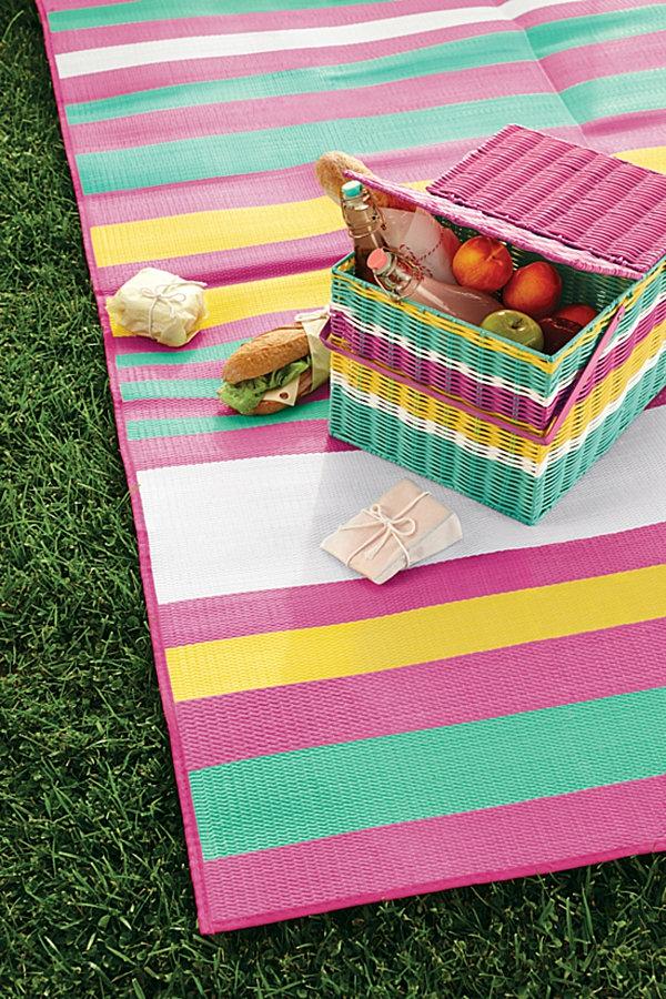 Sommerparty Deko bunt gartenideen tischdeko streifen farben