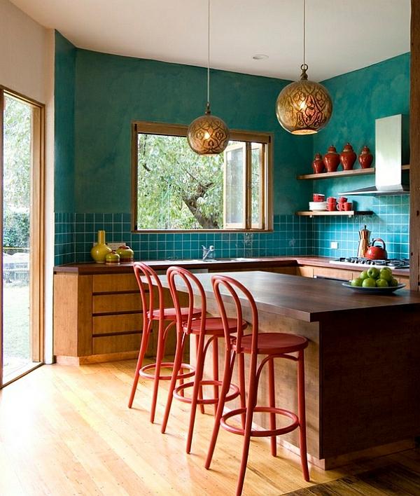 Wohnideen für Farbkombination wandfarbe wohnzimmer rot küchenhocker