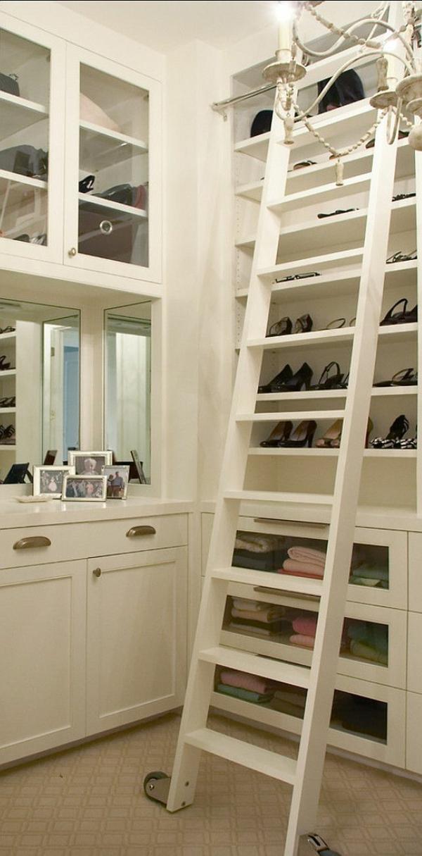 ankleidezimmer einrichtungsideen möbel garderobe mit treppe