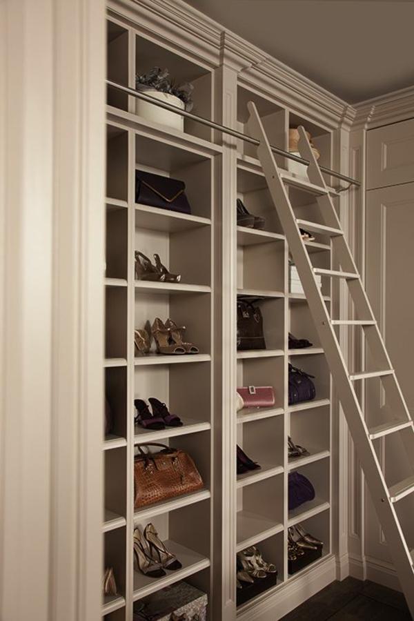ankleidezimmer elegante möbel kleiderschrank regalsystem