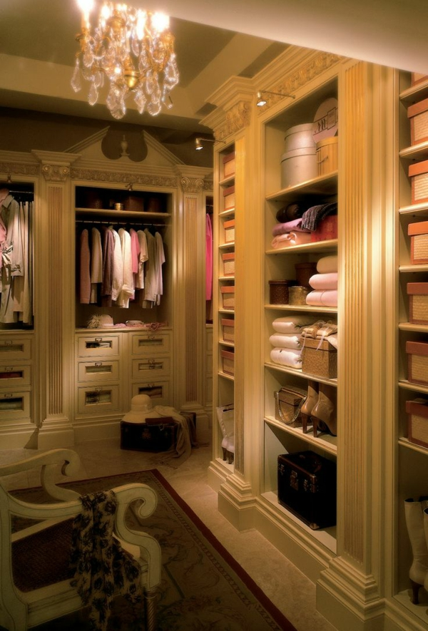 ankleidezimmer möbel kleiderschrank teppich luxus