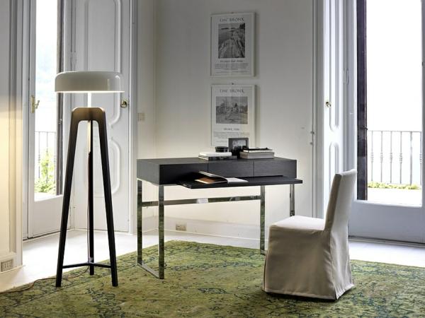 arbeitsbereich heimbüro gestalten led beleuchtungsideen standleuchten designer stativlampe