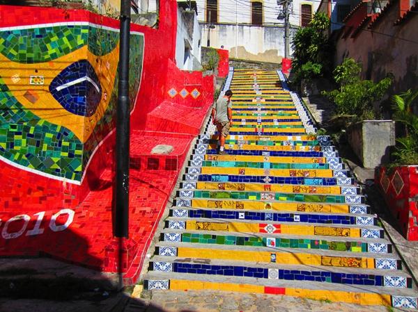 außenarchitektur treppen verkleiden kreative straßenkunst brasilien