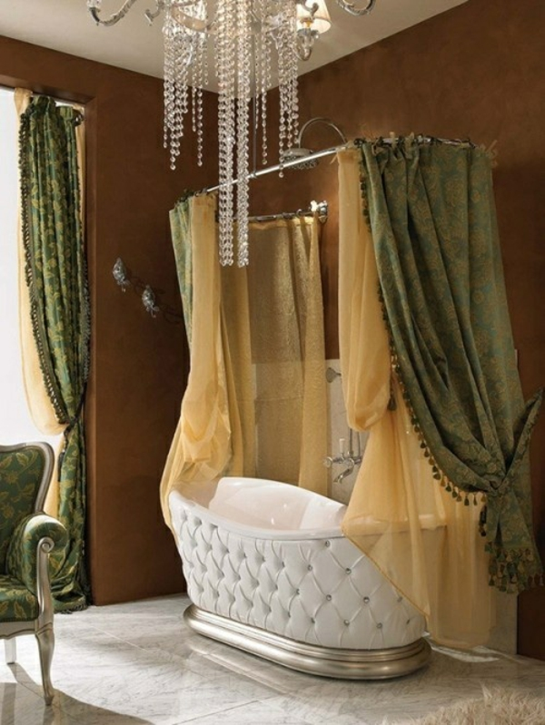 badezimmer luxuriös badvorhang freistehende badewanne