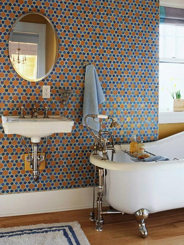 badezimmergestaltung ideen wandtapete bunt freistehende badewanne