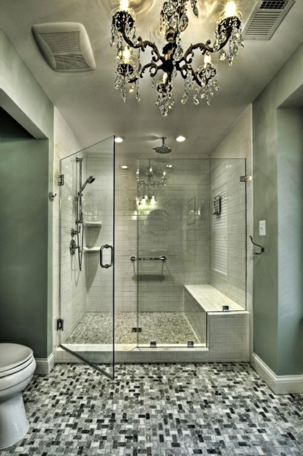 Badezimmergestaltung ideen mosaik bodenbelag kronleuchter for Ideen badezimmergestaltung