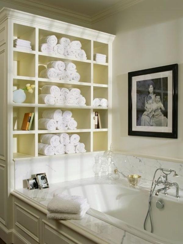 badezimmergestaltung ideen wandschrank lagerraum badewanne
