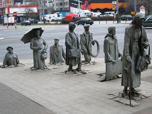 berühmte kunstwerke kunst anonymous passer skluptur art