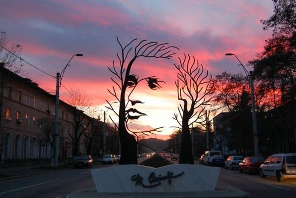 berühmte kunstwerke kunst mihai eminescu skulptur statue