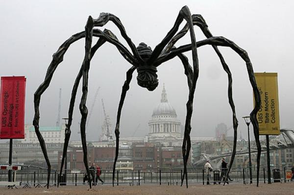 berühmte kunstwerke skulptur spider