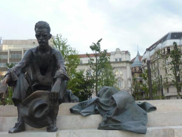 kunstwerke kunst skulpturen truriger mann