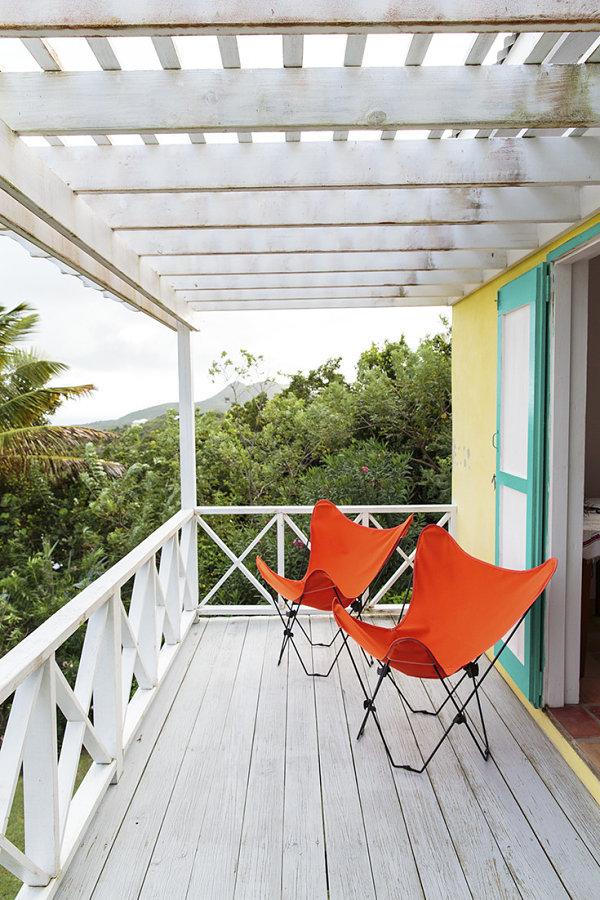coole einrichtungsideen terrasse gestalten klappstühle terrassemdielen holzpergola