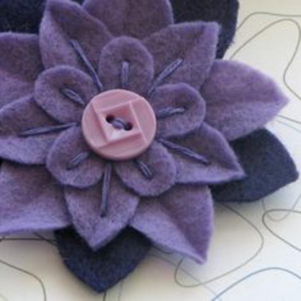 diy deko ideen filzblumen selber machen lila filzblume