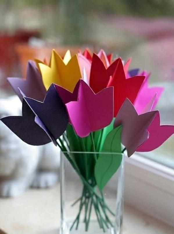 dekoideen frühlingsdeko basteln mit kindern farbige tulpen