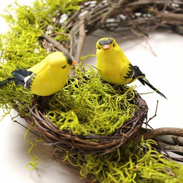 dekoideen frühlingsdeko basteln mit kindern garn zweige vögel