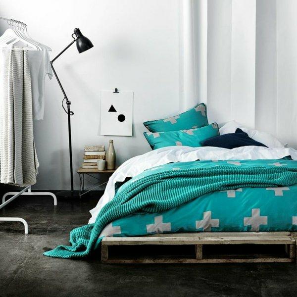 diy möbel europaletten bett selber gestalten pursitische schlafzimmereinrichtung