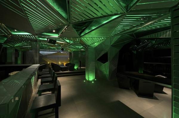 bar restaurant design grüne beleuchtung auriga indien