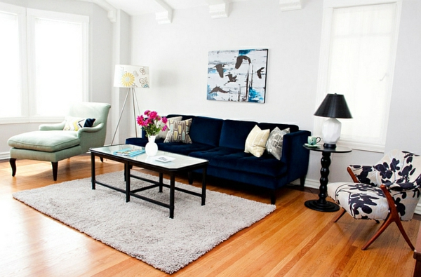 Eklektisches Wohnzimmer Blaues Sofa Teppich