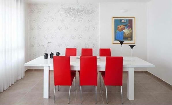esszimmer ideen weißes zimmer rote stühle