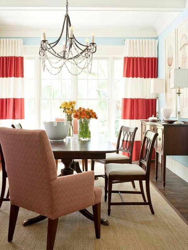 esszimmergestaltung interieur zweifarbige gardinen kronleuchter tisch