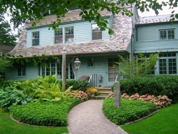 exterior ideen vorgarten gebogener pfad grüne pflanzen