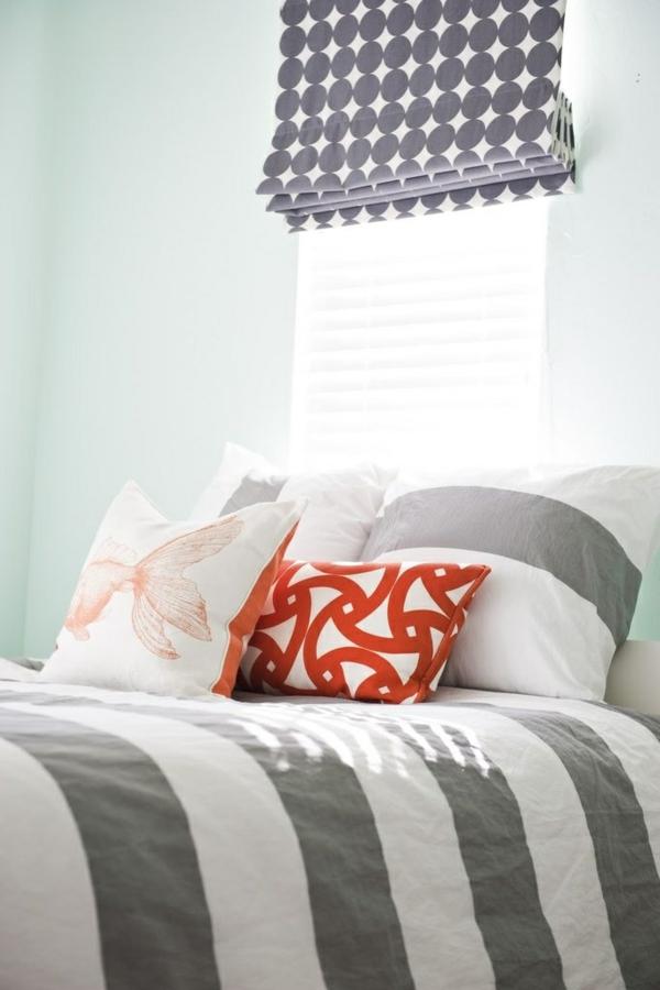 faltrollo im schlafzimmer fenster deko sichtschutz raffrollos
