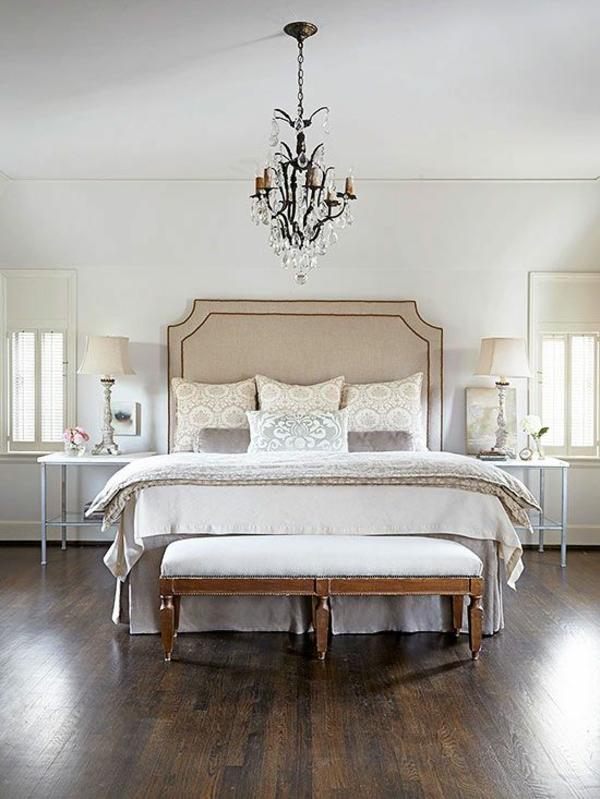 farbgestaltung schlafzimmer beige weiß neutralle farben polsterbett kopfteil