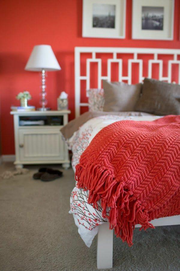 farbgestaltung schlafzimmer farbideen rote wandfarbe tagesdecke warme wohnlichkeit