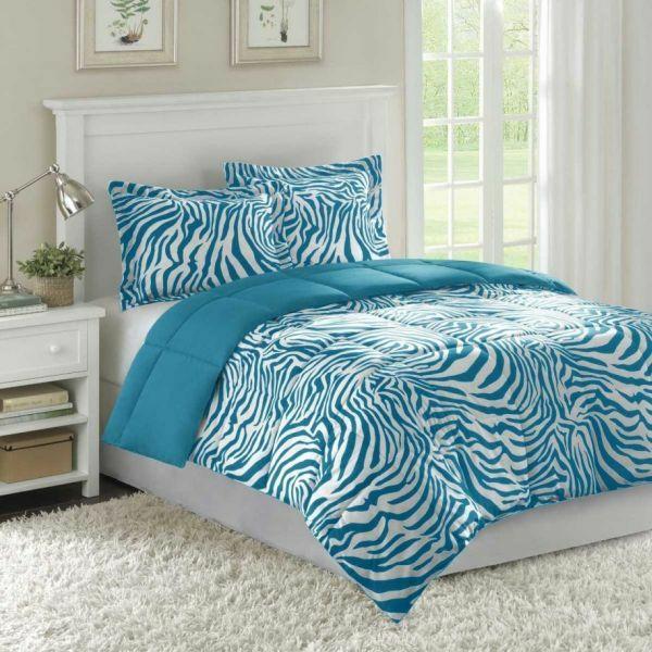 farbideen schlafzimmer möbel bett weiß bettwäsche zebramuster blau