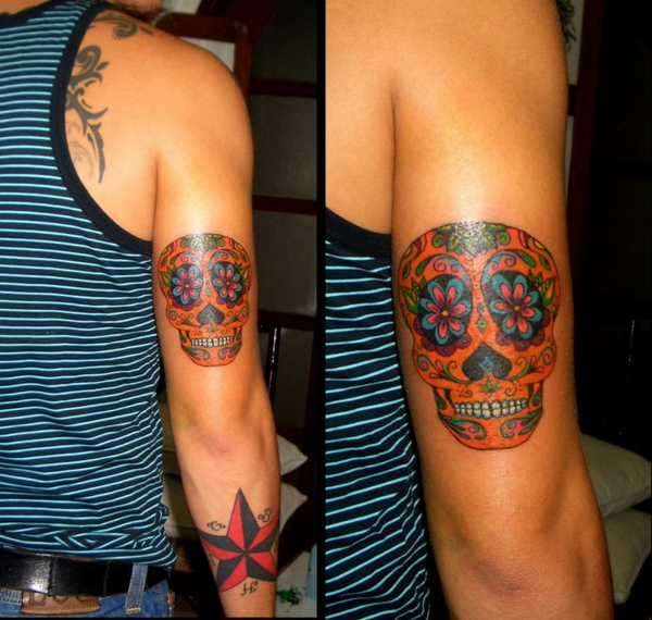 farbige tattoo unterarm bilder männlich totenkopf