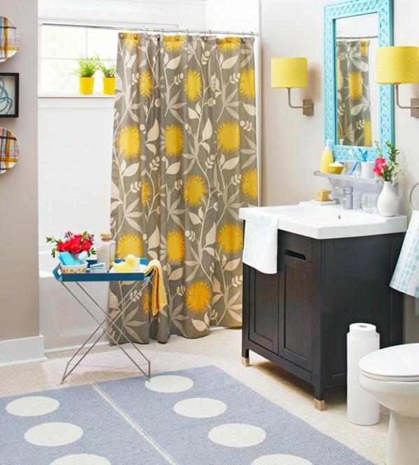 Badezimmer Gardinen Blumenmuster Teppich Grüner Spiegel
