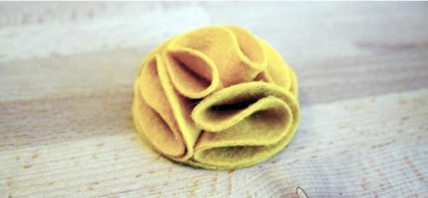 filzblume basteln diy deko ideen gelber filz bastelideen einfach