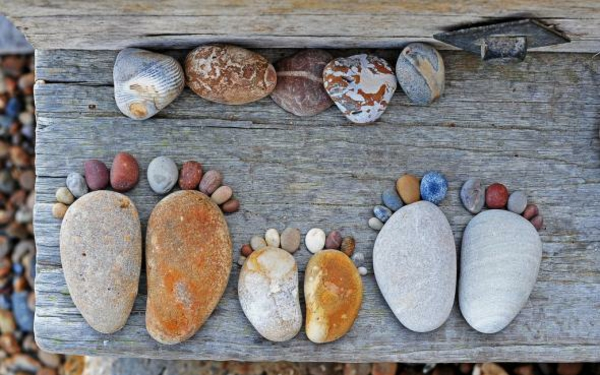 garten gartendekoration steinfüsse kieselsteine
