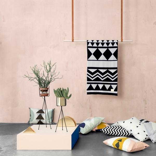 garten möbel ideen stillvoll dekokissen wurfkissen chevronmuster geometrische muster