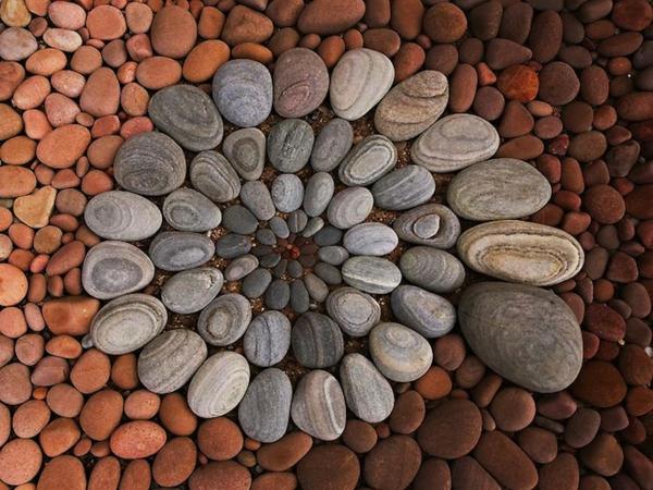 Gartenaccessoires Geometrische Garten Deko Aus Steinen Und Blättern