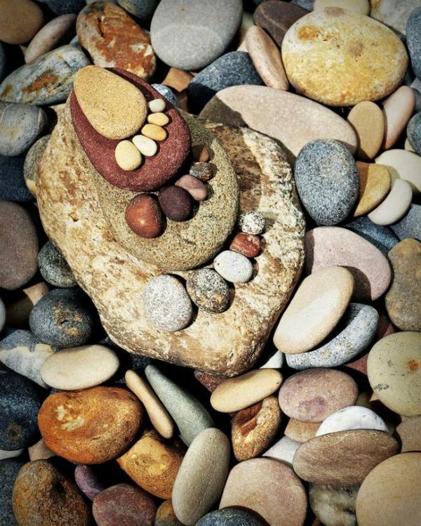 gartendekoration steinfüsse garten ideen kieselsteine