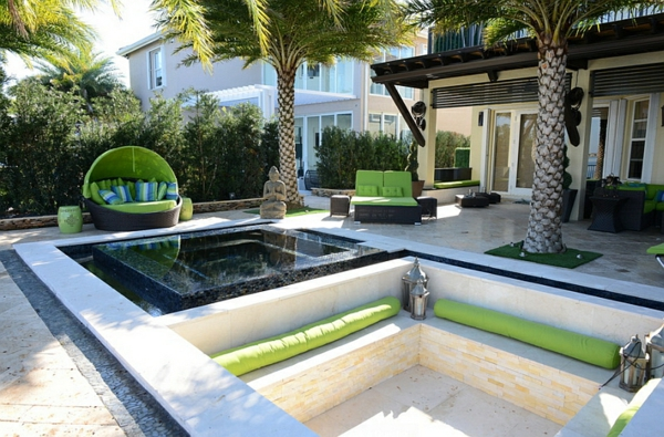 exotisch loungebett teich sitzecken im garten