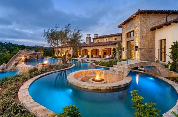 Sitzecken Im Garten - Die Stilvolle Erscheinung Ihres Zuhauses Eine Feuerstelle Am Pool