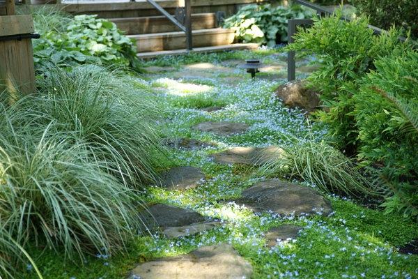 gartenideen außenbereich pfad steine pflanzen