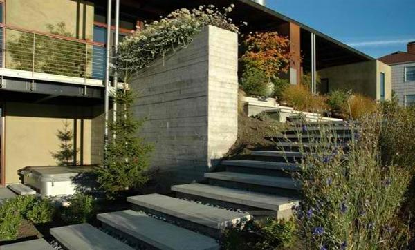 gartentreppe stein holz landschaftsbau garten beton