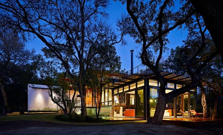 grüne architektur green latern residenz einfamilienhaus nachtsüber beleuchtung